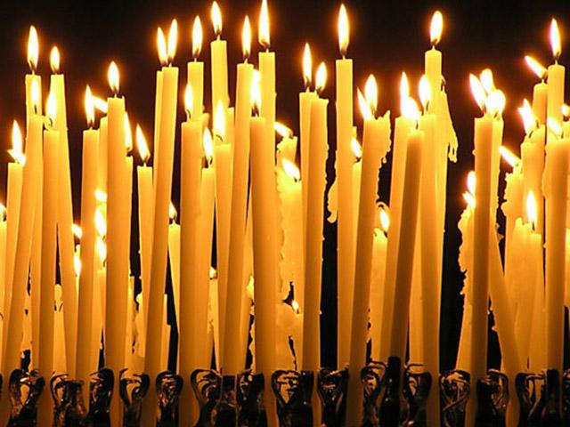 После похорон — молитва об усопшем